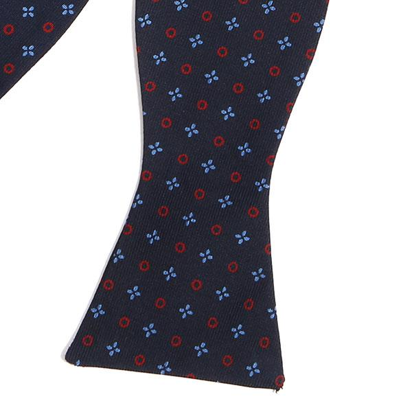 X & O NAVY MACCLESFIELD SILK BOWTIE