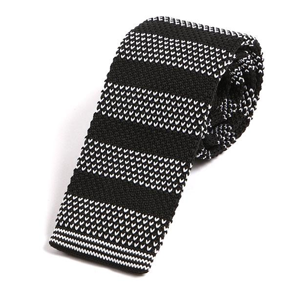 White & black spaced heart knitted tie