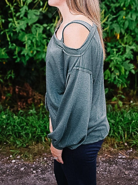 Trayvin Off-The-Shoulder Sweater in Forest