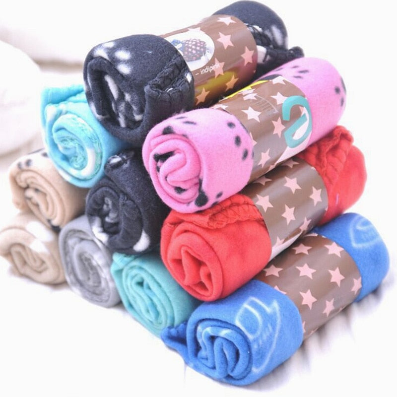 Lovely Pets Soft Warm Fleece Paw Print Design Blanket Bed