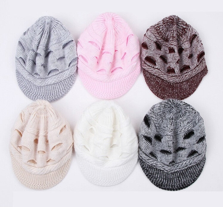 Big Eyes Design Warm Cap - Toyzor.com