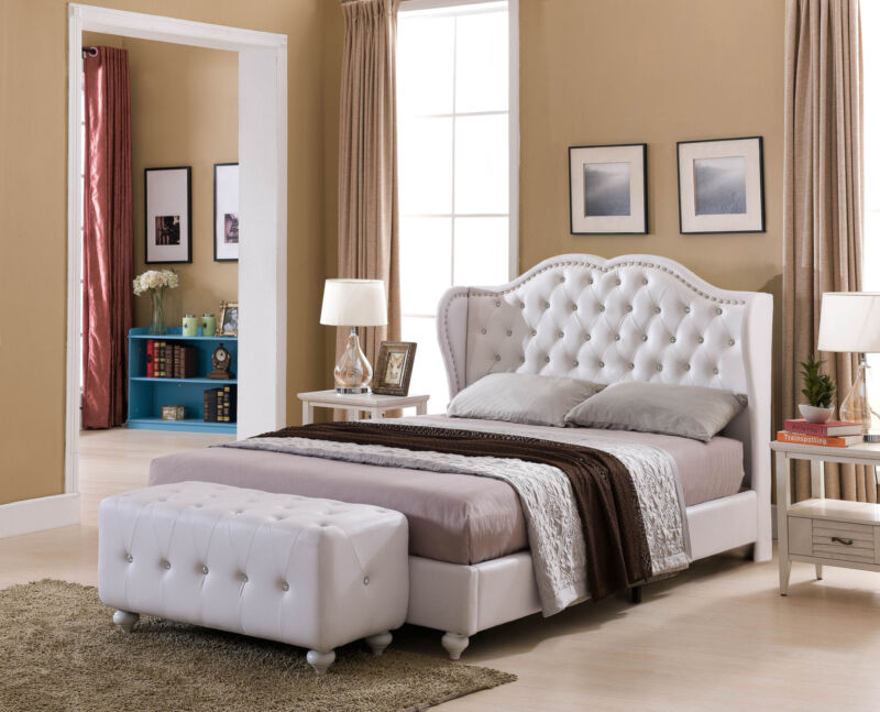 White Tufted Design Faux Leather Queen Size Upholstered Platform Bed