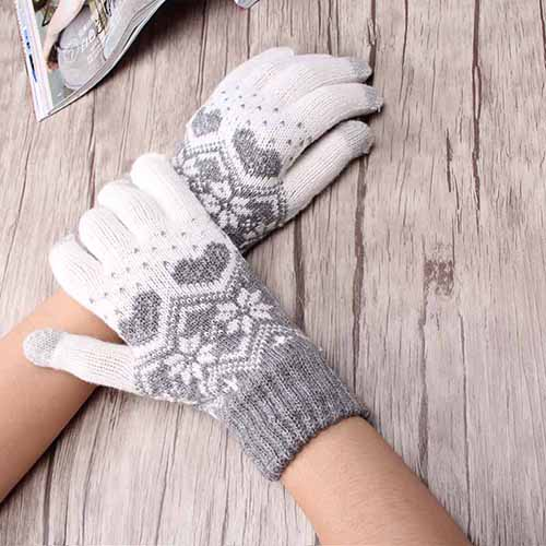 Knitted Novelty Heart Snowflake Screen Gloves