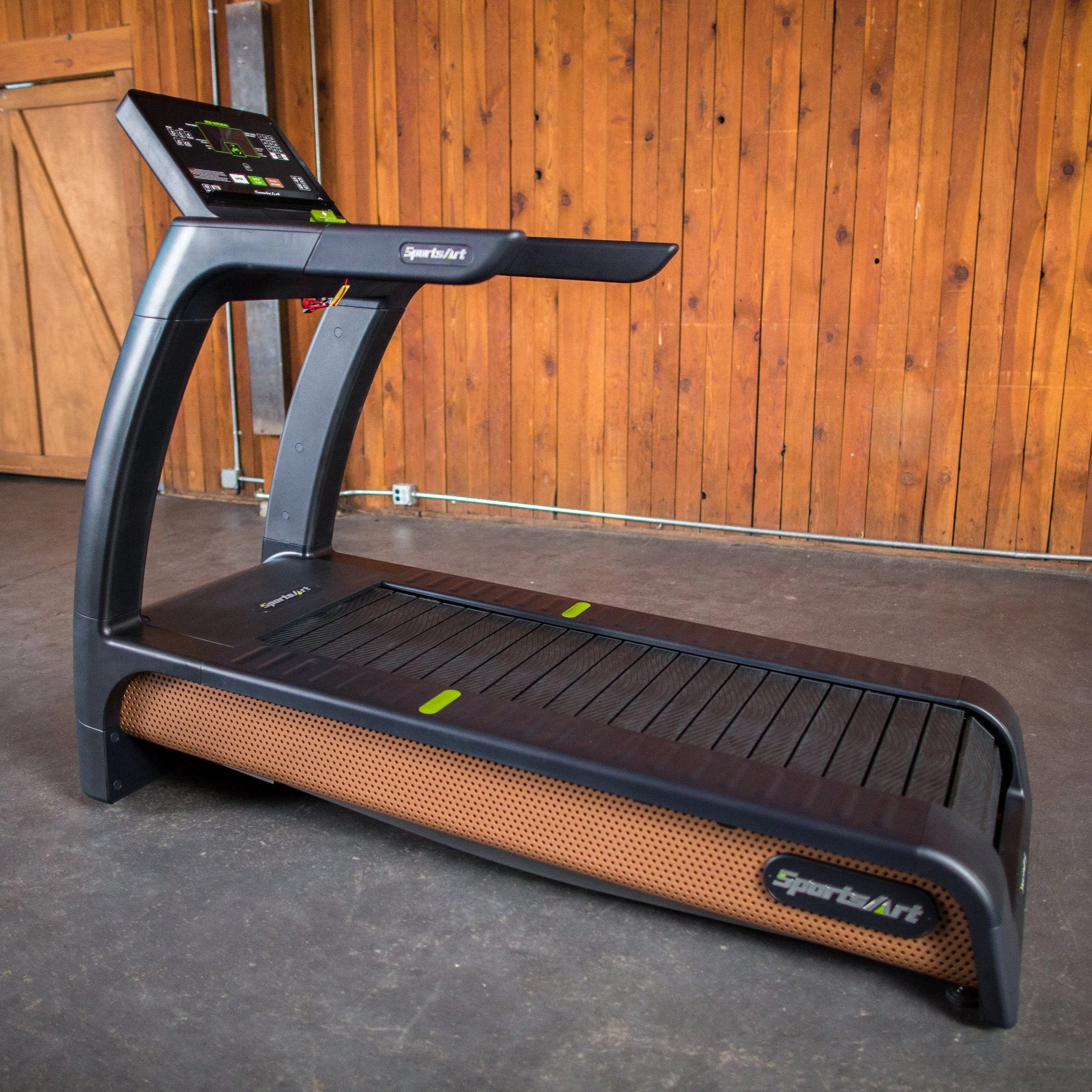 SportsArt N685 Eco-Natural Verde Treadmill