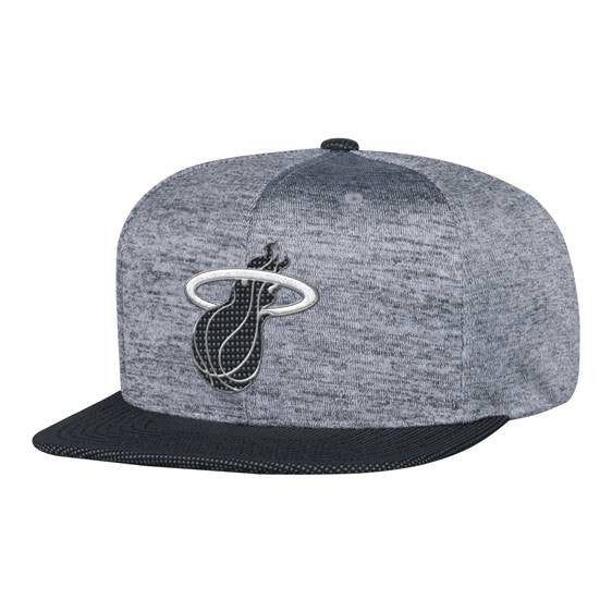 Mitchell & Ness Miami HEAT Spaceknit Snapback - featured image