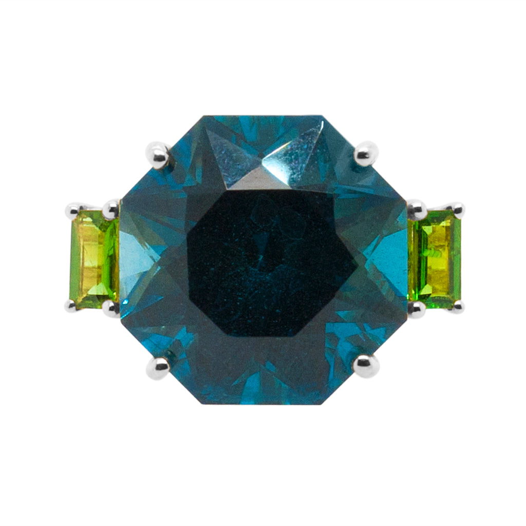 Iris Ring White Gold Green Amethyst Aquamarine