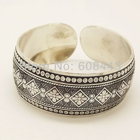 Metal Tibetan Silver vintage retro Fashion Cuff Bracelet Bangle (Free Shipping)