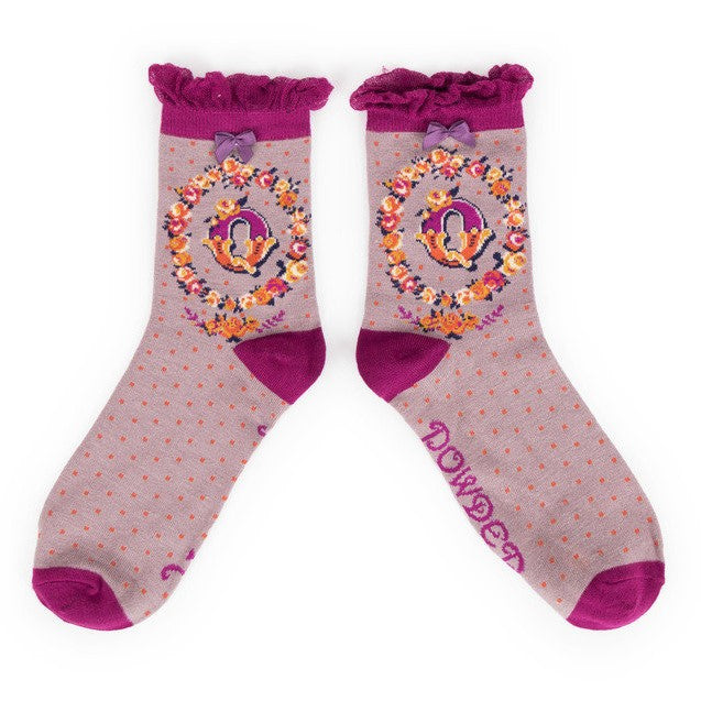 Powder Alphabet Ankle Socks - Q