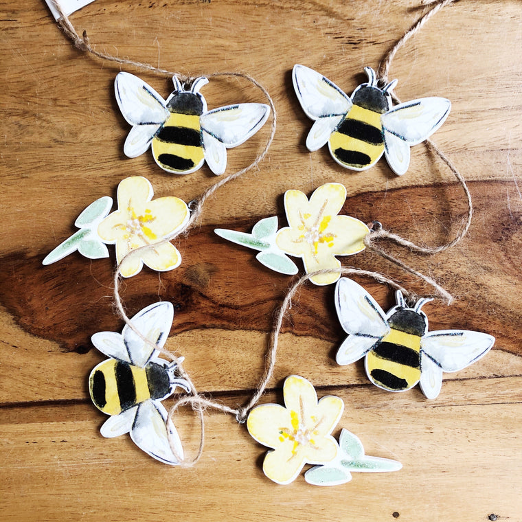 Wooden Bee & Buttercups Garland