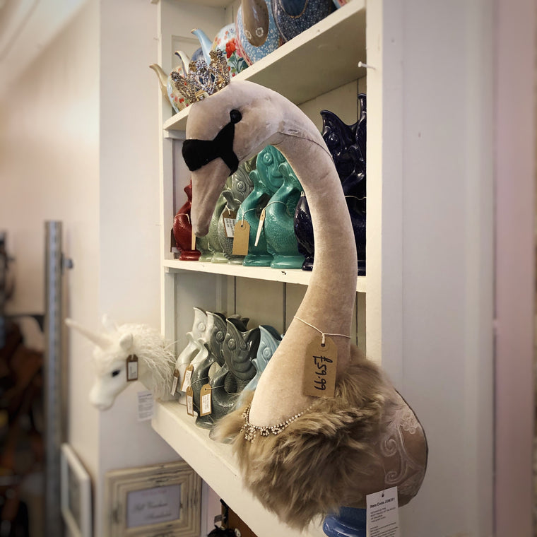Mink Wall Mounted Swan Head
