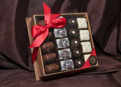 19 Pc Truffle Box