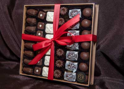 42 Pc Truffle Box