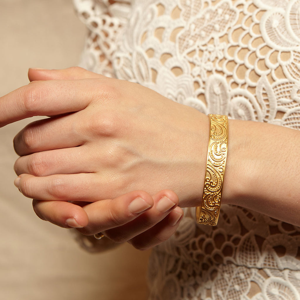 Embrace of Love Gold Bangle - Satya Jewelry