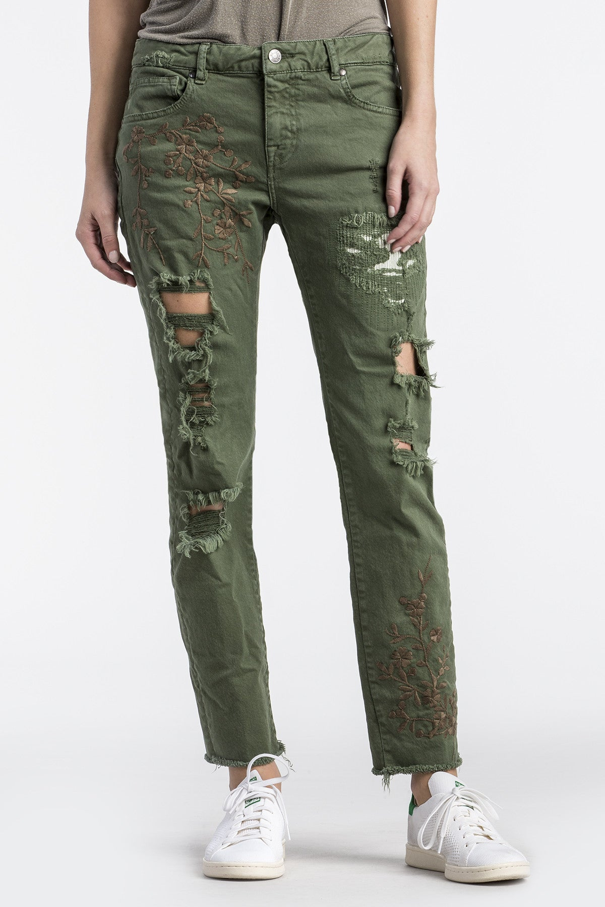 Cassie Easy Straight Jean