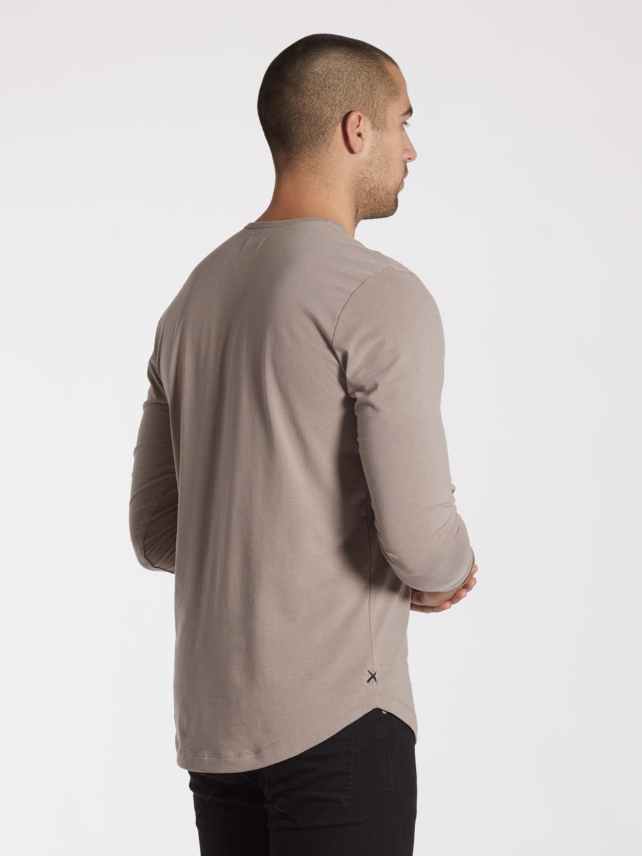 Fossil L/S Henley Curve-Hem