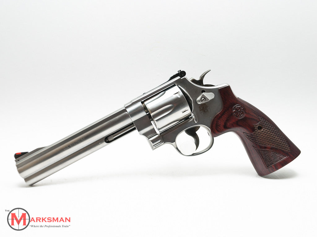 Smith and Wesson 629 Deluxe, .44 Magnum
