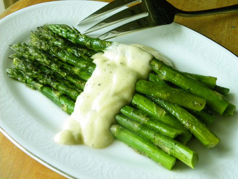 Paleo Steamed Asparagus with Lemon Sauce Recipe