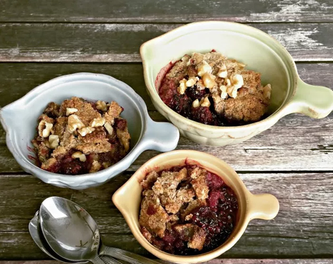 paleo blackberry crumble recipe paleochoice nz