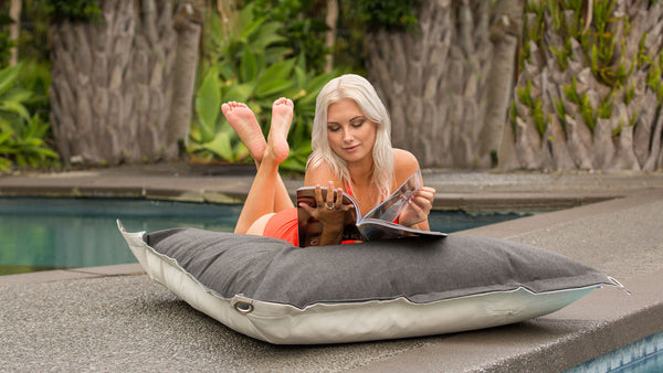 SoFloat Maui Drift® Lily Reading