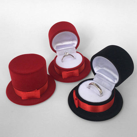 hat (for rings, earrings) *not to be sold separately