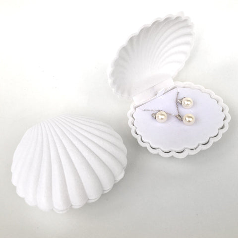 white shell (for necklace, earrings, rings) *not to be sold separately