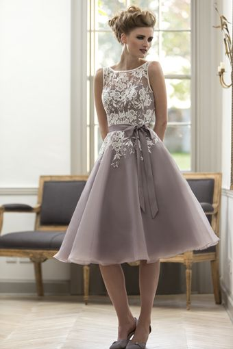 Knee Length Lace and Organza Bridesmaid Dresses BM020 - LaRovias