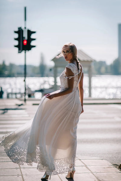 Lace and Chiffon Wedding Dress Bridal Gown LSY065 - LaRovias