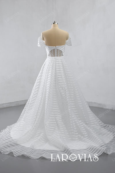 2019 Off the Shoulder Wedding Dress Chapel Train LR032 - LaRovias