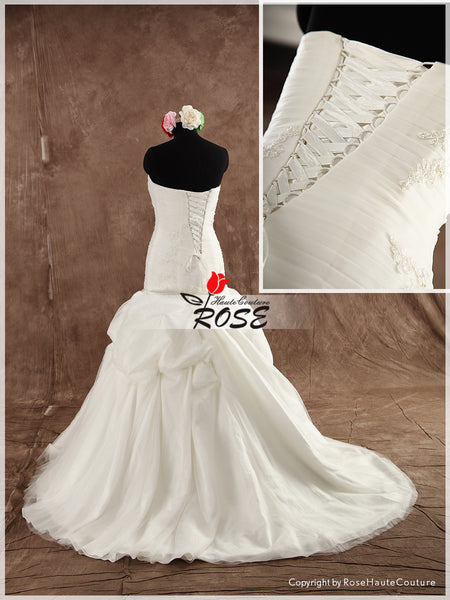 Mermaid Wedding Dress Sweetheart Neckline with Beaded Applique Detail Style WD089 - LaRovias