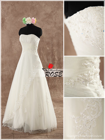 Strapless A Line Wedding Dress Sweetheart Neckline Beaded Applique Lace Up Back Style WD118 - LaRovias
