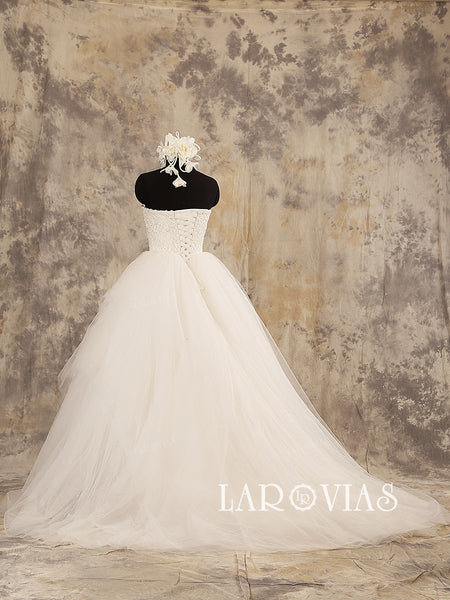 Ivory Lace Ball Gown Wedding Dress Asymmetrical Tulle Skirt Lace Up Back WD202 - LaRovias