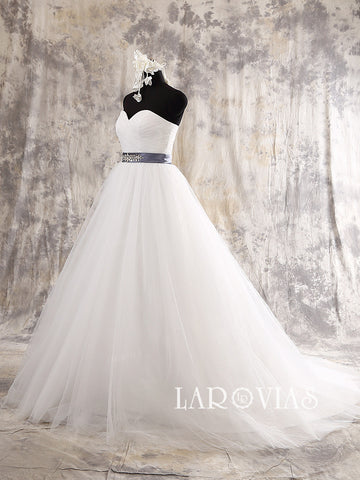 Strapless A Line Tulle Wedding Dress Sweetheart Neckline Beaded Belt Style WD205 - LaRovias
