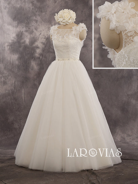 2016 New Fashion Wedding Dress In Lace And Tulle WD242 - LaRovias