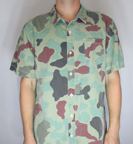 Camouflage Army Print Button Up Shirt Modern Amusement *Used* XL - Steeze Clothing