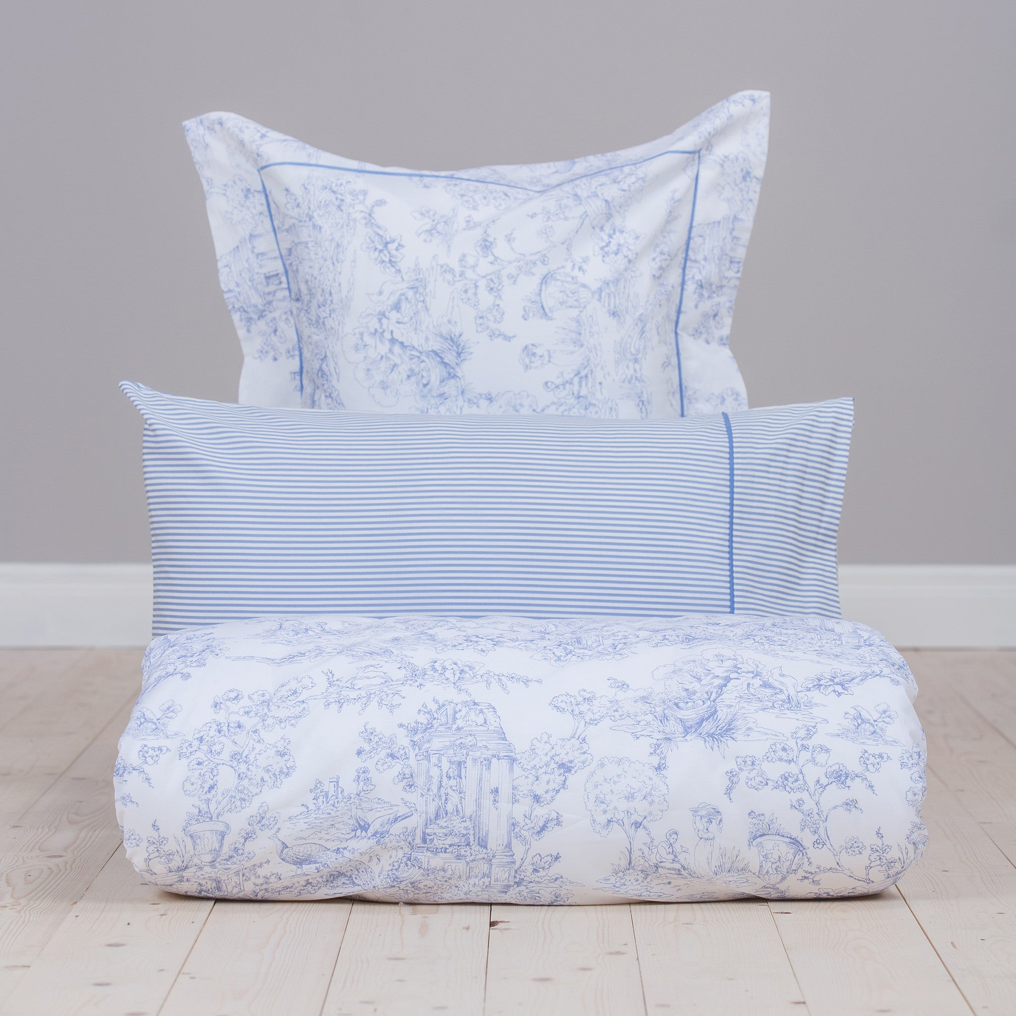 blue toile du jouy foxford woollen mills. Black Bedroom Furniture Sets. Home Design Ideas