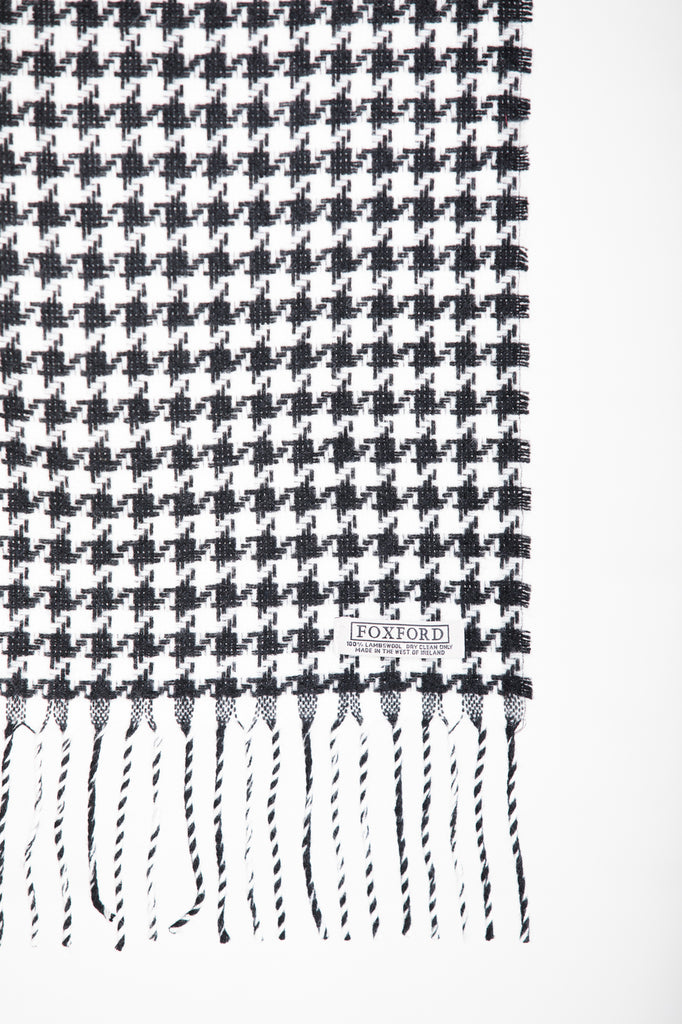 Classic Houndstooth Scarf Black