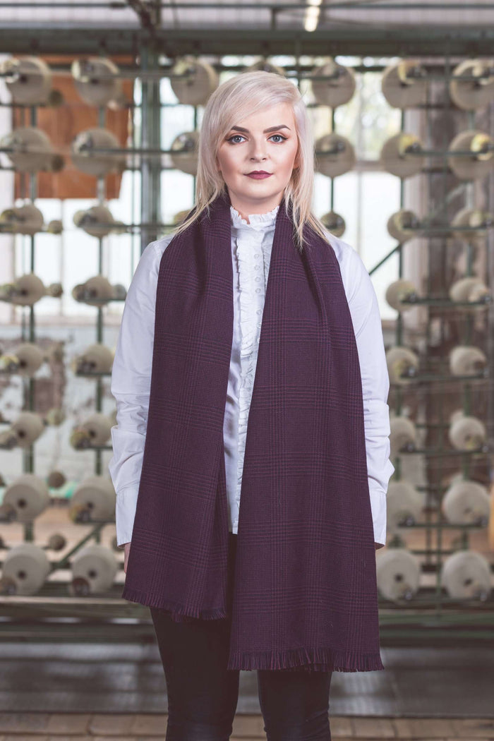 Navy and Aubergine Glencheck Stole