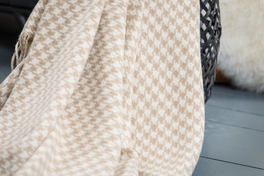 Bone Houndstooth Throw