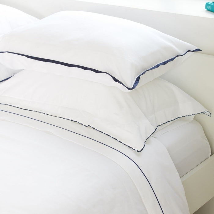300TC Sateen White Flat Sheet with Navy Rolenio