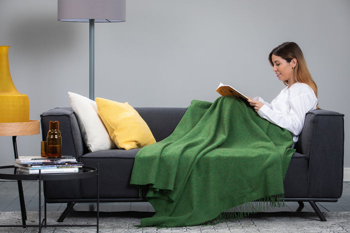 Leaf Green Solid Throw / Knee Rug