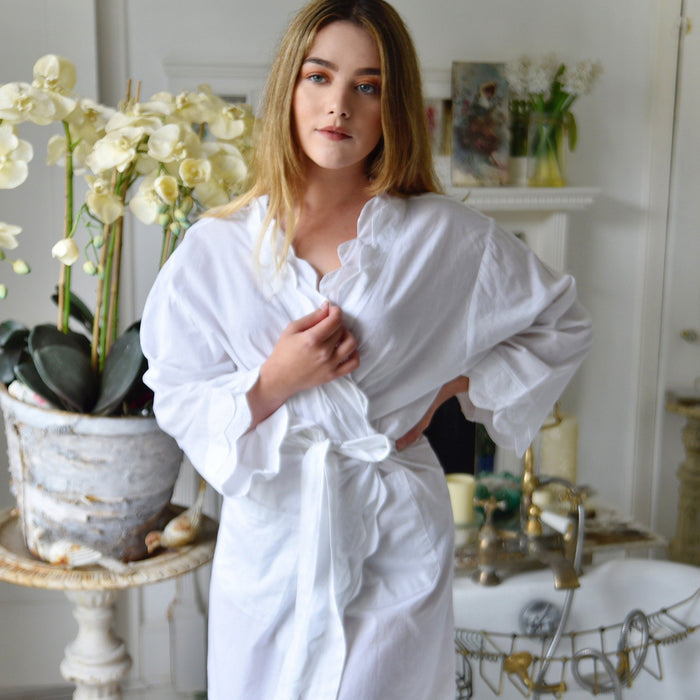 White Scalloped Edge Dressing Gown - One Size