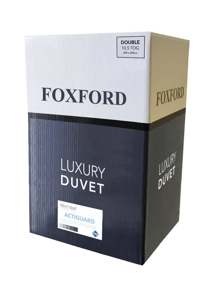Foxford's Luxury Actiguard Duvet in White & Navy Box