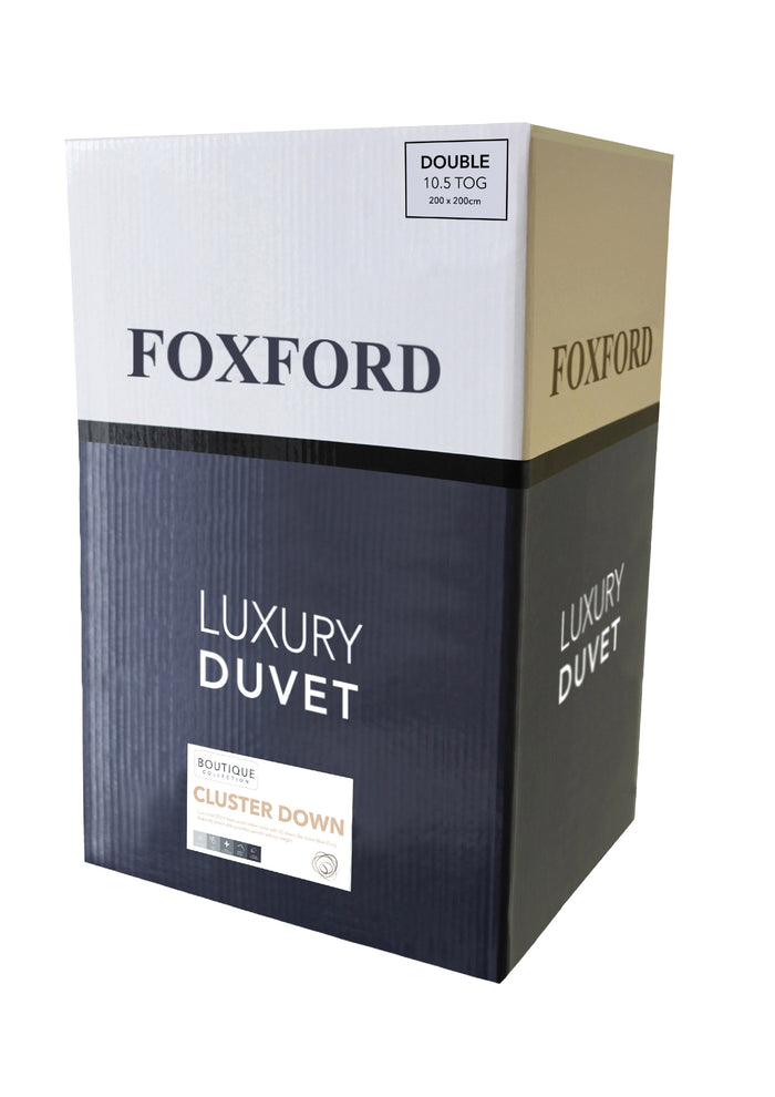 Product shot of Foxford's Luxury Cluster Down Duvet in White & Navy Box