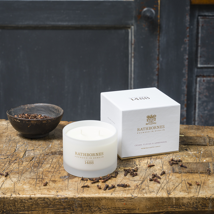Rathbornes Cedar, Cloves and Ambergris - Classic Candle