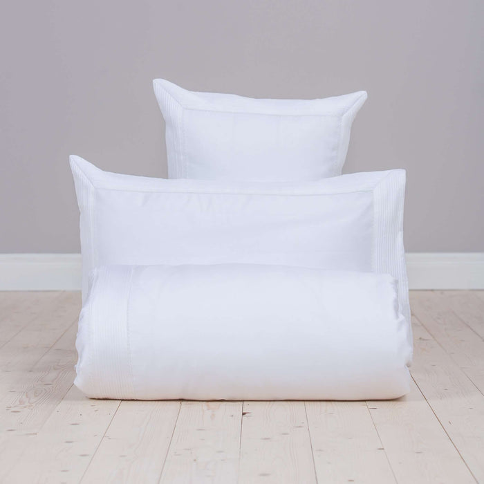 Product shot of Foxford's White Egyptian Cotton Fitted Sheet. Made from 100% Egyptian Cotton. By Foxford Woollen Mill