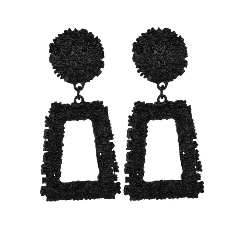 SOPHIE BLACK EARRING