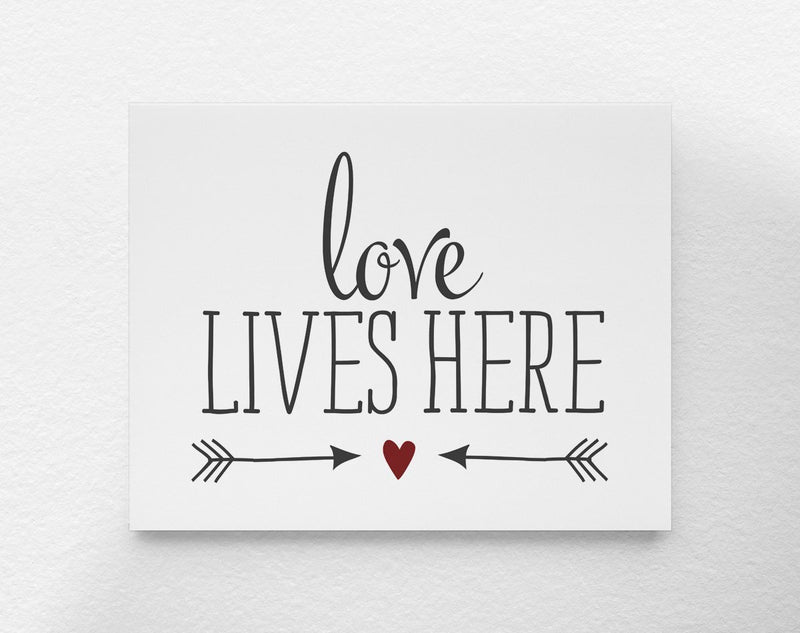 Love Lives Here Art Print - Loftipop