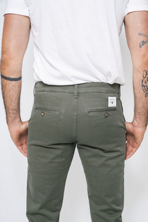 Washed Chino Regular Olive - smitzy