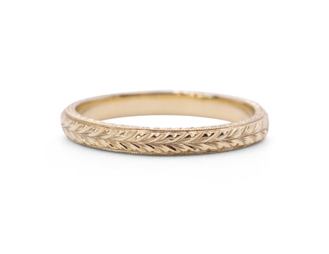 18 Karat Yellow Gold Engraved Band