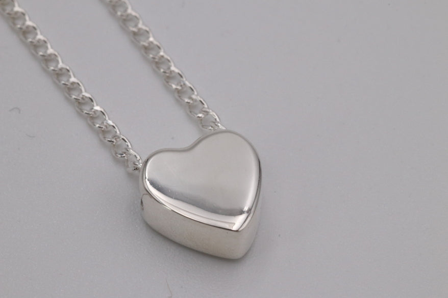 Zina Mini Heart Necklace